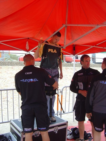 Preparation for bungee jump
