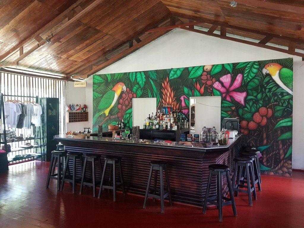 Explorer's Inn bar